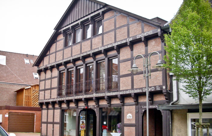 Landfleischerei mit Ladenlokal, Nebengebäude sowie 3 Wohnungen im Osnabrücker Nordland