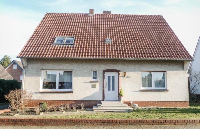 Selbstnutzung und / oder Kapitalanlage – Wohnhaus und Bauplatz in Wallenhorst-Lechtingen